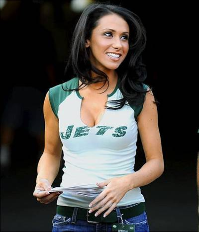 brett favre wife. rett favre wife. rett favre jets girl. rett favre jets girl. CorvusCamenarum. Dec 14, 01:58 PM. No such thing as bad publicity.